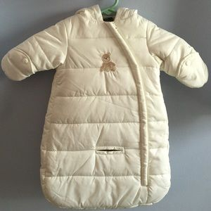 New ivory Infant 1 piece puffer car seat snow suit